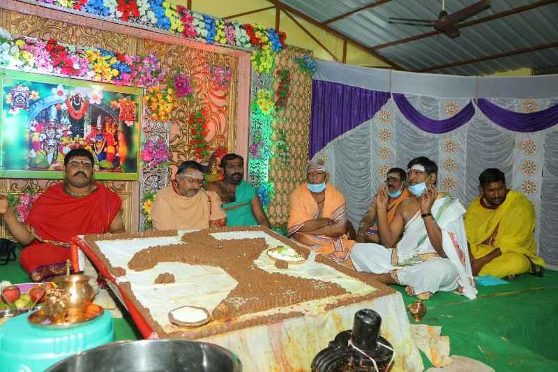 Maha Shivaratri Special Sahasra Lingarchana Sahitha Maha Pashupatha Homam March 11th 2021@ Mulugu Siddanthi Ashramam in Srisailam (29)