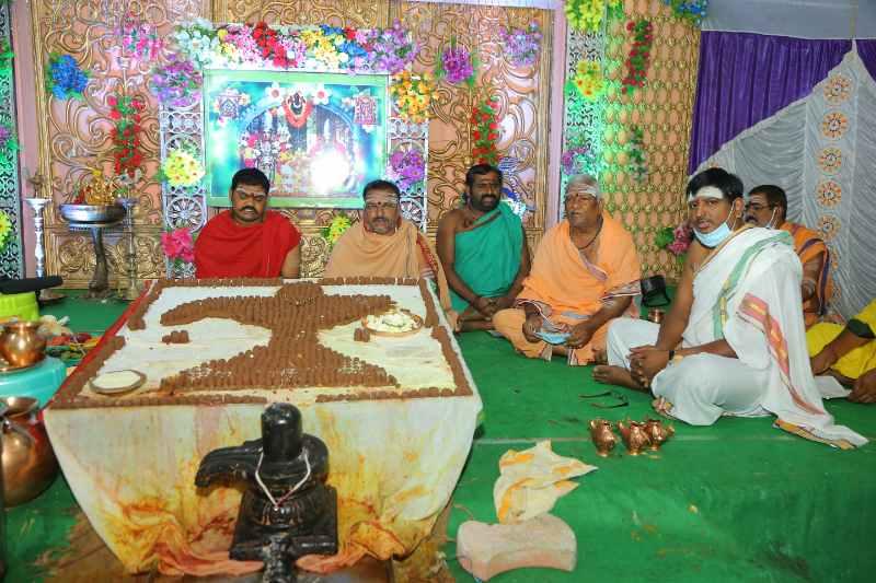 Maha Shivaratri Special Sahasra Lingarchana Sahitha Maha Pashupatha Homam March 11th 2021@ Mulugu Siddanthi Ashramam in Srisailam (41)