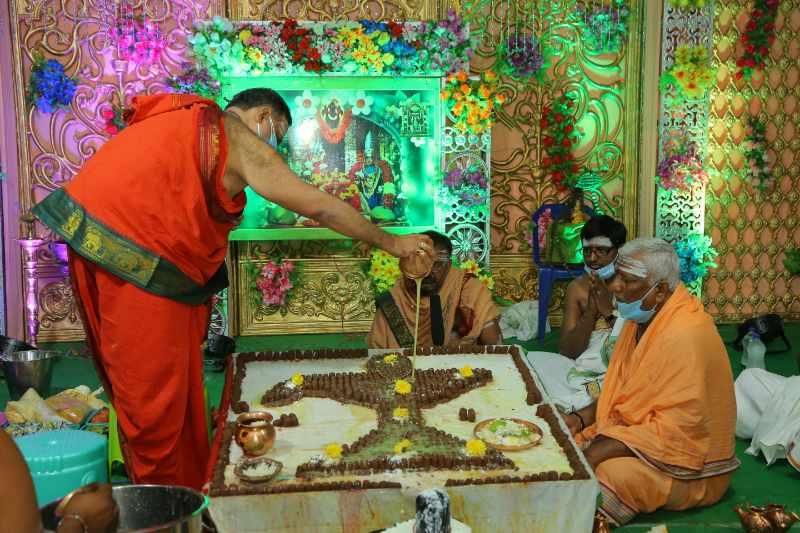 Maha Shivaratri Special Sahasra Lingarchana Sahitha Maha Pashupatha Homam March 11th 2021@ Mulugu Siddanthi Ashramam in Srisailam (53)