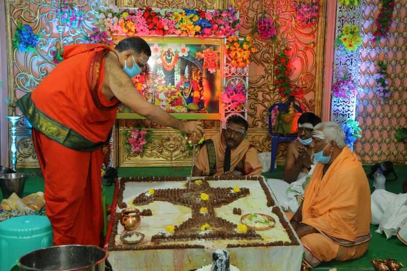 Maha Shivaratri Special Sahasra Lingarchana Sahitha Maha Pashupatha Homam March 11th 2021@ Mulugu Siddanthi Ashramam in Srisailam (54)