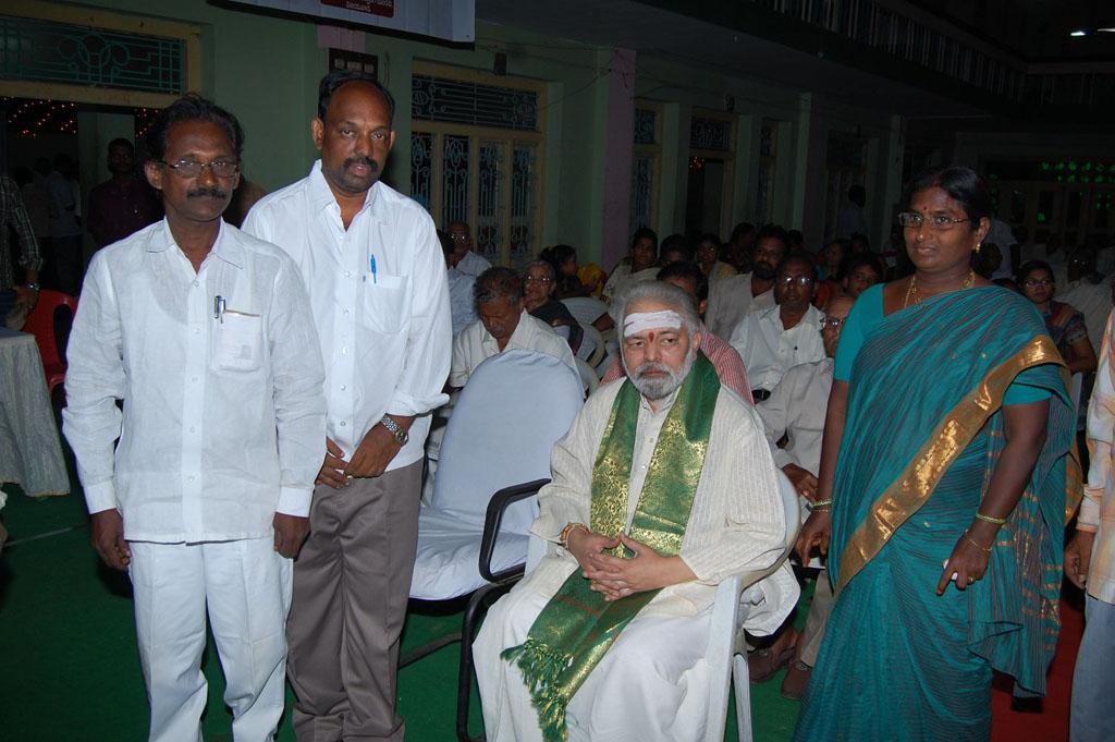 Mulugu Guruji Honored Amma Charitable trust (7)
