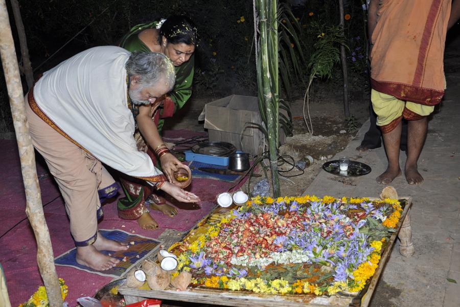 Maha Shivratri Special Sahasra Lingarchana 2013 (21)