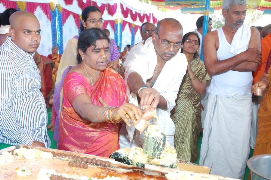 Maha Shivratri Special Maha Pasupatha Homam 2014 (64)
